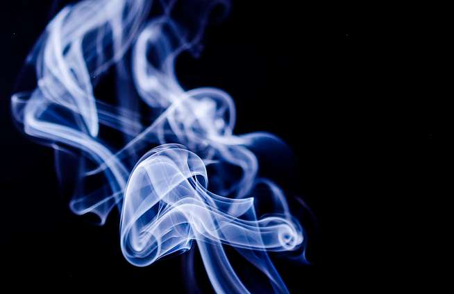 smoke-1001667_1280 (1).png